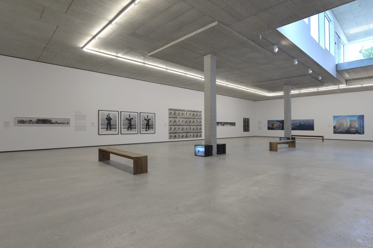 Walthercollection Neuulm Whitecube Installationview Lifeanddreams 12