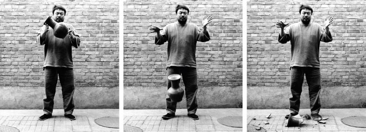 Aww 316A Walthercollection Aiweiwei Droppingahandynastyurn 1995 72Dpi